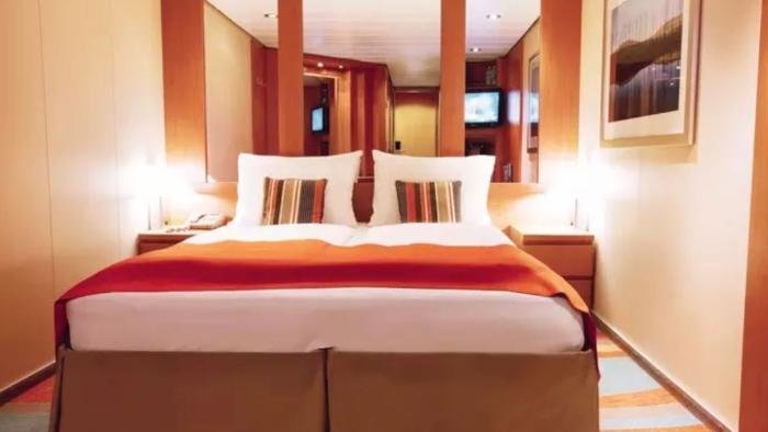 cruise ship rooms inside cabin